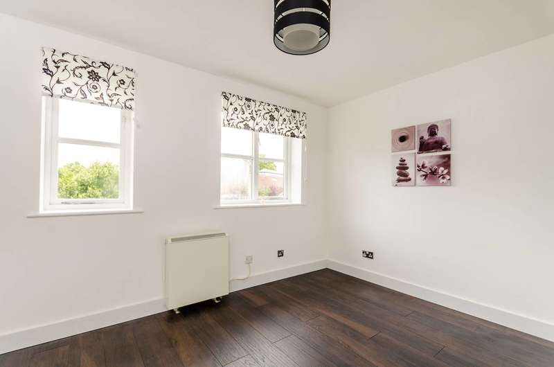1 Bedroom Flat for sale in California Road, New Malden, KT3