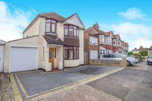 3 Bedrooms Detached House for sale in Jersey Road, Rochester, Kent