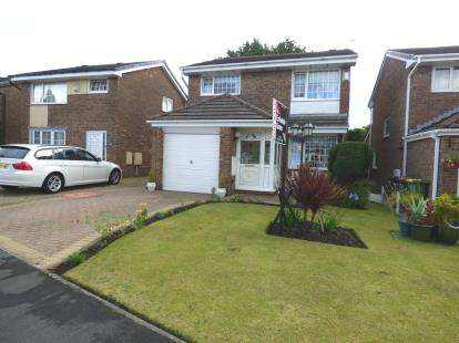 3 Bedrooms Detached House for sale in Levensgarth Avenue, Fulwood, Preston, Lancashire, PR2