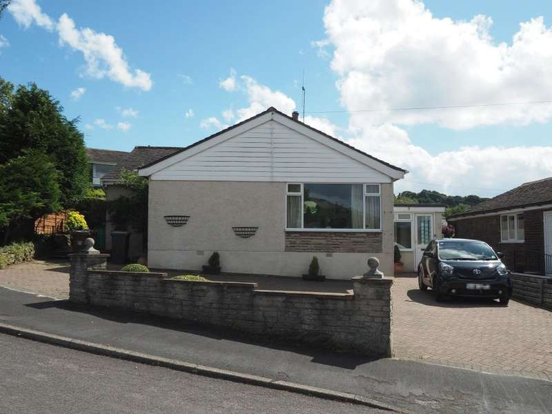 2 Bedrooms Detached Bungalow for sale in Brooklands Avenue, Chapel-en-le-Frith, High Peak, Derbyshire, SK23 0PR