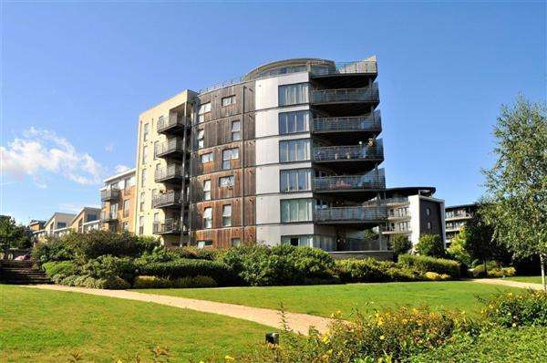 2 Bedrooms Apartment Flat for sale in Maidstone ME15