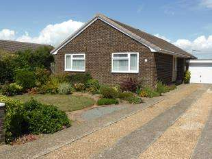 4 Bedrooms Bungalow for sale in Cherry Gardens, Littlestone, New Romney, Kent