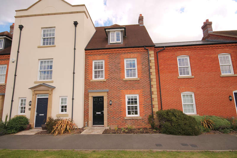 3 Bedrooms Town House for sale in Greenkeepers Road, Great Denham, MK40