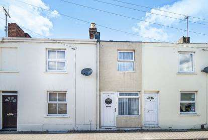 1 Bedroom Terraced House for sale in Charles Street, Cheltenham, Gloucestershire, Cheltenham