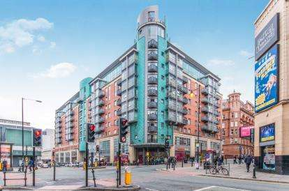 3 Bedrooms Flat for sale in Whitworth Street West, Manchester, Greater Manchester