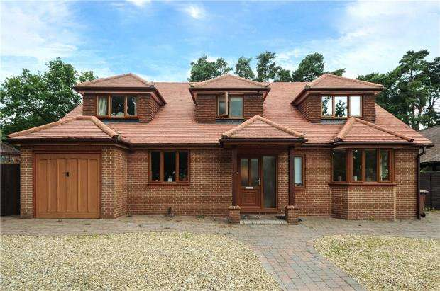 4 Bedrooms Detached House for sale in New Wokingham Road, Crowthorne, Berkshire