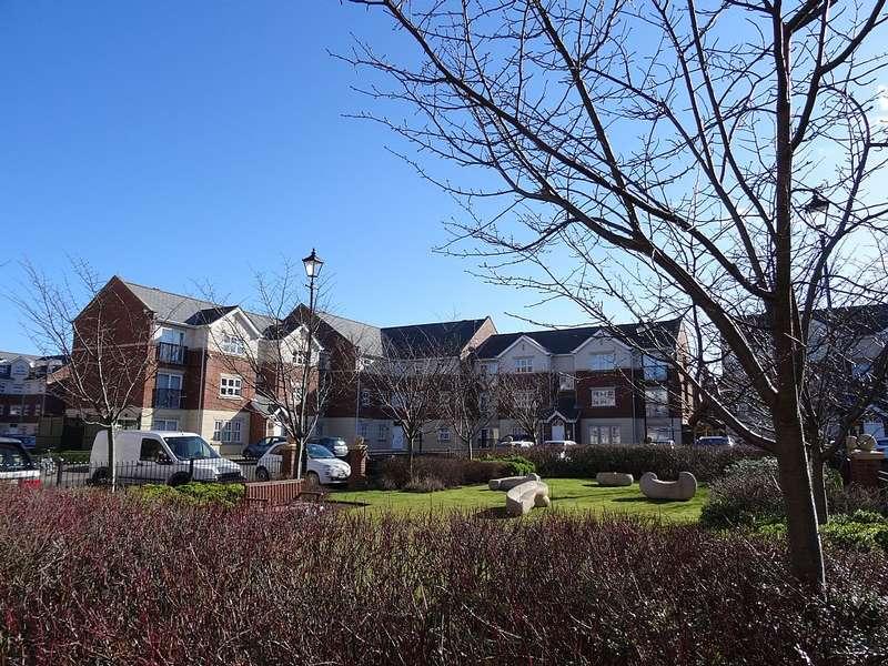 2 Bedrooms Flat for sale in Edward House, Albert Court, Sunderland, Tyne and Wear, SR2 7LQ