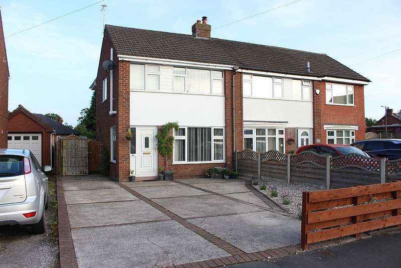 3 Bedrooms Semi Detached House for sale in Green Acres Drive, Garstang, Preston, Lancashire, PR3 1RQ
