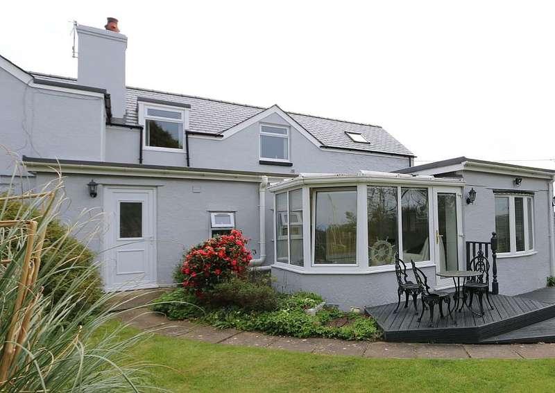 3 Bedrooms Semi Detached Bungalow for sale in Llanfaelog, Rhosneigr, Gwynedd, LL63 5TB