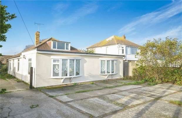 4 Bedrooms Detached Bungalow for sale in Dymchurch Road, St Marys Bay, Romney Marsh, Kent