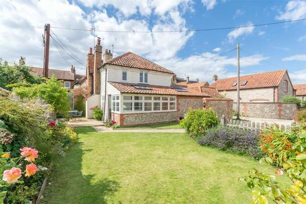 2 Bedrooms Cottage House for sale in Todds Cottage, 20 Todds Yard, Little Walsingham