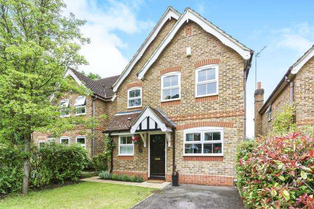 3 Bedrooms Detached House for sale in Bracknell, Berkshire, The Warren