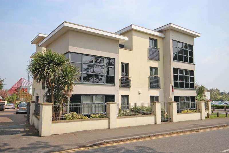 2 Bedrooms Property for sale in Kings Park Drive, Bournemouth