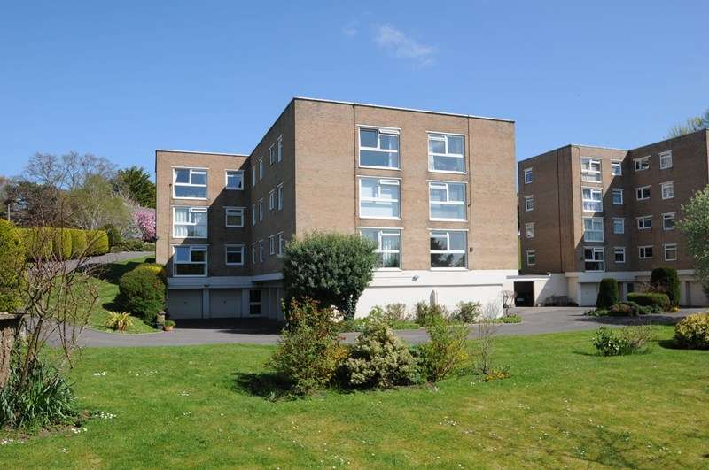 2 Bedrooms Flat for sale in Kimberley Road, Lower Parkstone, Poole