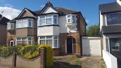 3 Bedrooms Semi Detached House for sale in Ingram Way, Greenford, Middlesex, Greater London