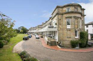 3 Bedrooms Town House for sale in Calverley Park Crescent, Tunbridge Wells, Kent