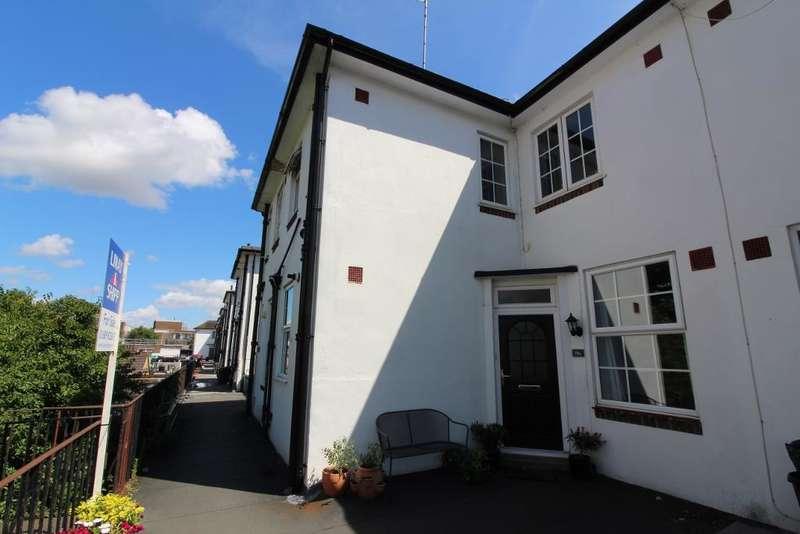 3 Bedrooms Maisonette Flat for sale in High Street, Orpington, Kent, BR6 0NQ