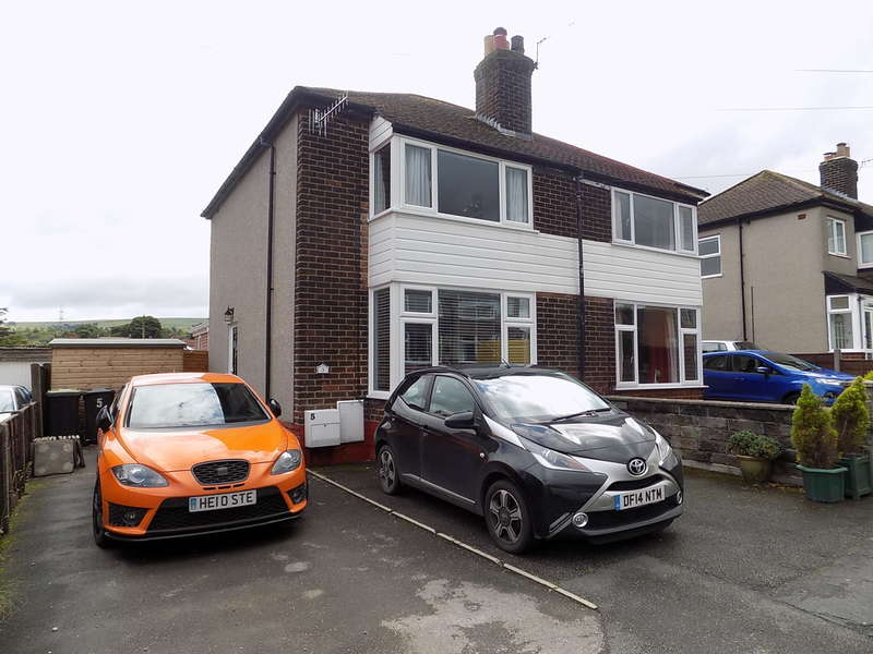 2 Bedrooms Semi Detached House for sale in Beresford Road, Chapel en Le Frith