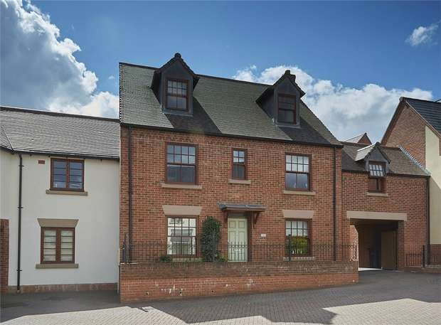 5 Bedrooms Terraced House for sale in 53 Yewtree Moor, Lawley Village, Telford, Shropshire