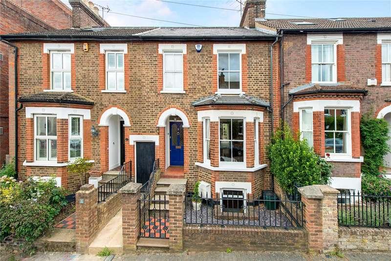 3 Bedrooms Terraced House for sale in Liverpool Road, St. Albans, Hertfordshire, AL1