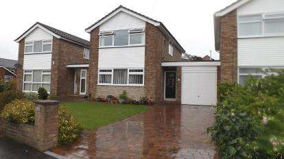 3 Bedrooms Link Detached House for sale in Hamble, Southampton, Hampshire