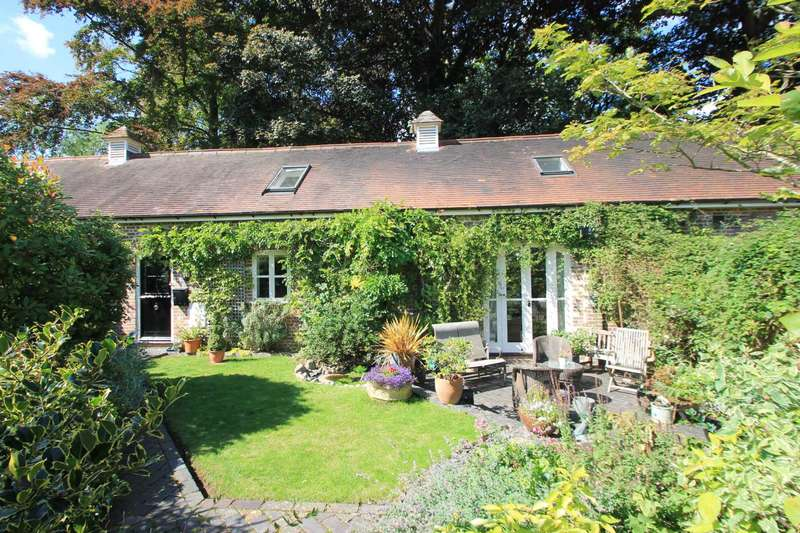 2 Bedrooms Barn Conversion Character Property for sale in Home Farm, Tring