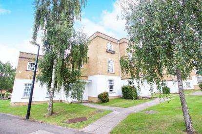 2 Bedrooms Flat for sale in Leigh Hunt Drive, London