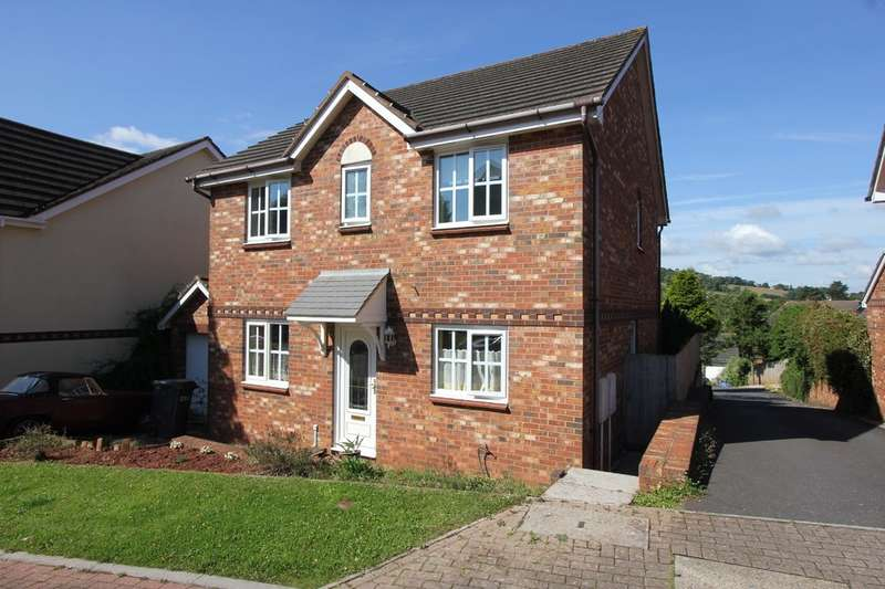 4 Bedrooms Detached House for sale in Cambrian Close, St Mary's Mead