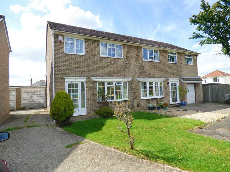 3 Bedrooms Semi Detached House for sale in THREE BEDROOM SEMI-DETACHED HOUSE SET IN A QUIET CUL-DE-SAC LOCATION OF ENSBURY PARK