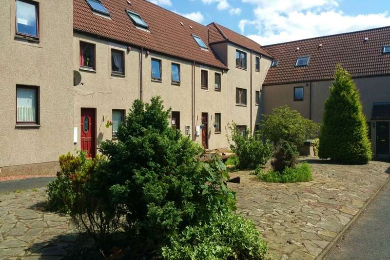 3 Bedrooms Property for sale in Robert Smith Court, Lumphinnans, KY4