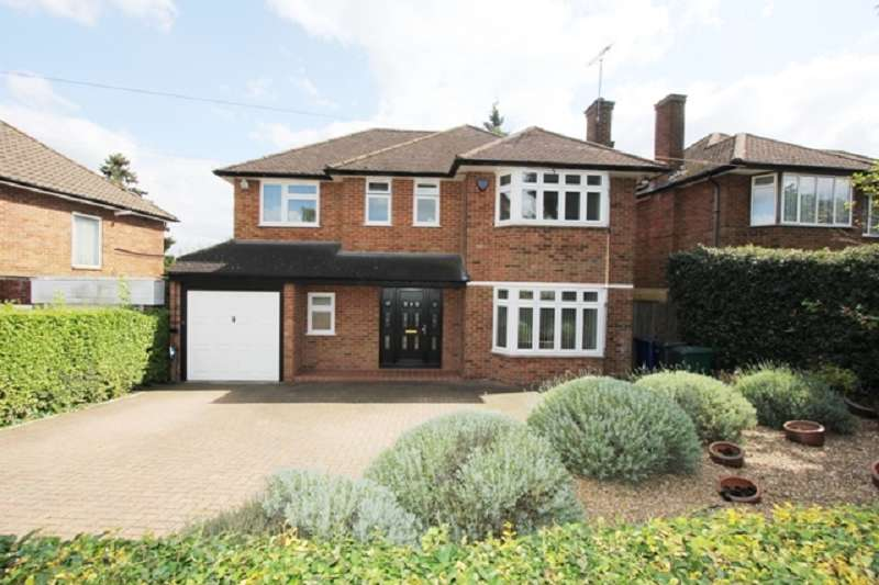 5 Bedrooms Detached House for sale in Wolmer Gardens, Edgware, Greater London. HA8 8QE