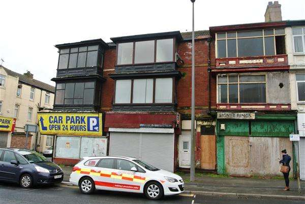 5 Bedrooms Flat for sale in Chapel Street, Blackpool