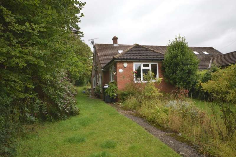 3 Bedrooms Semi Detached Bungalow for sale in The Crescent, Chartham, Canterbury, CT4