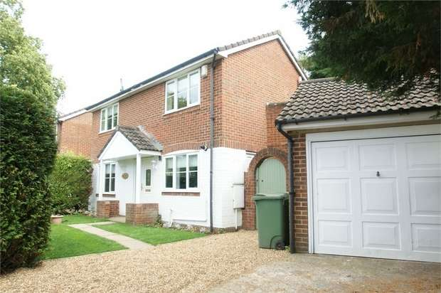 3 Bedrooms Semi Detached House for sale in Old Esher Road, Hersham, Surrey