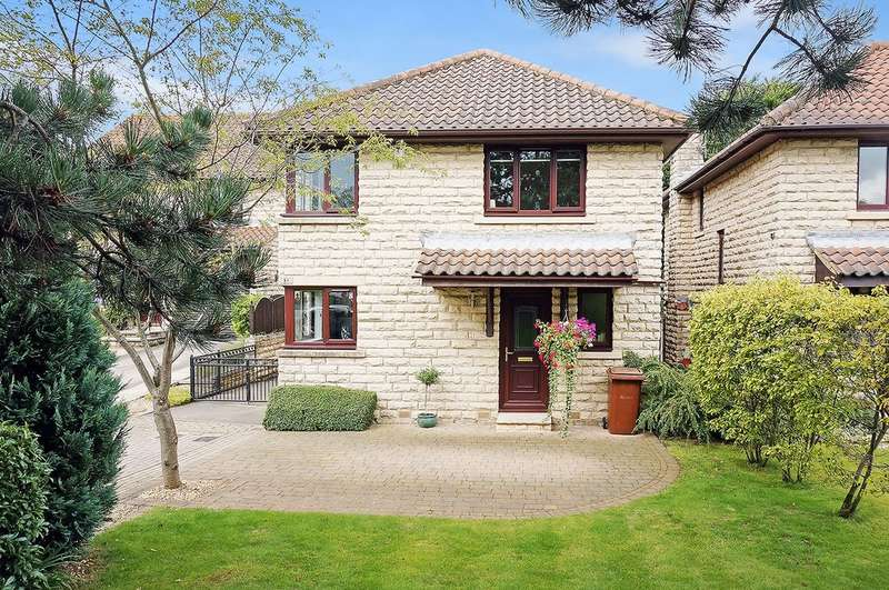 4 Bedrooms Detached House for sale in North Grove Approach, Wetherby, LS22