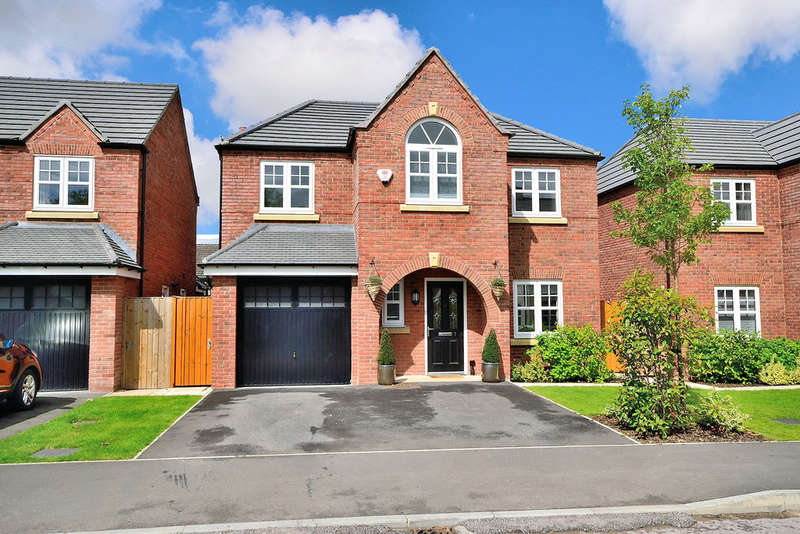 4 Bedrooms Detached House for sale in Commissioner Square, Sandford Village, Warrington