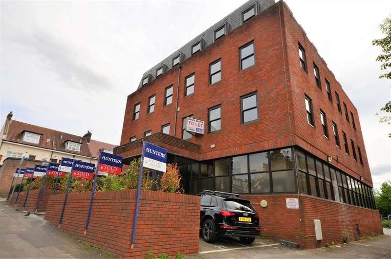 2 Bedrooms Apartment Flat for sale in Cavendish Avenue , Harrow, Middlesex, HA1 3RW