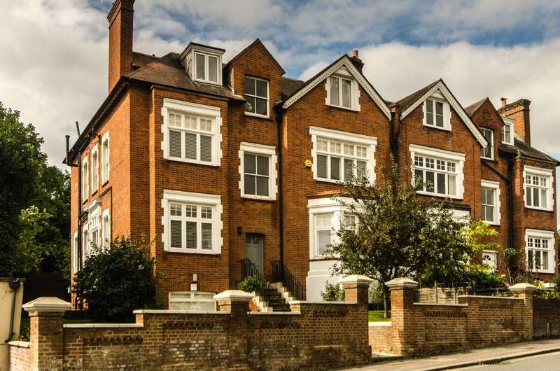 2 Bedrooms Flat for sale in Leopold Road, Wimbledon, SW19