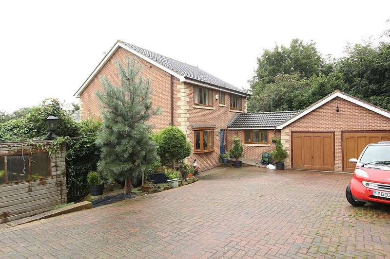5 Bedrooms Detached House for sale in 3A, Blenheim Drive, Batley, West Yorkshire, WF17 0BH