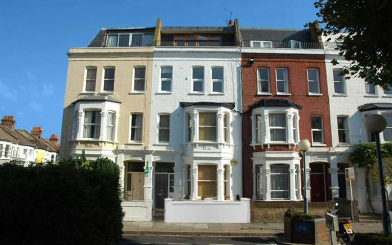 2 Bedrooms Apartment Flat for sale in Waldemar Avenue, Fulham, London, SW6