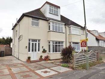 4 Bedrooms House for sale in Ryde Place, Lee-on-the-Solent, Hampshire, PO13 9AU
