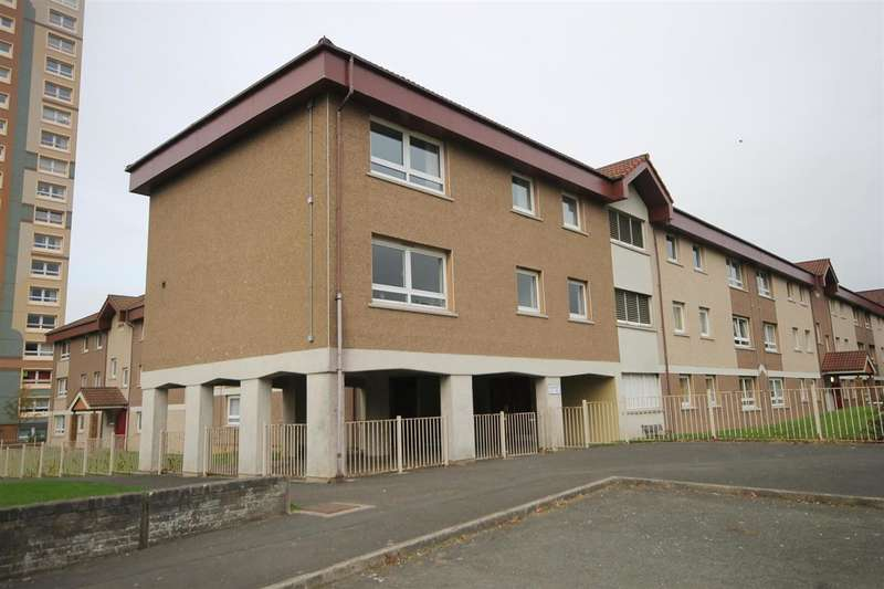 3 Bedrooms Flat for rent in Glen Court, Motherwell