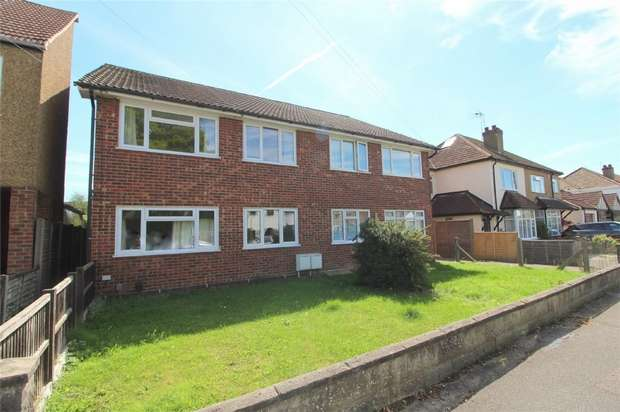 2 Bedrooms Maisonette Flat for sale in Thetford Road, Ashford, Middlesex