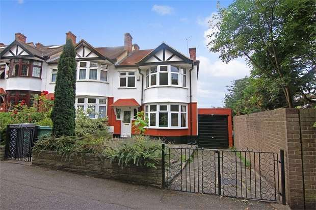 3 Bedrooms End Of Terrace House for sale in Beacontree Avenue, Walthamstow, London