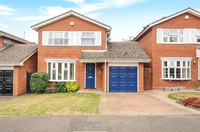 3 Bedrooms Detached House for sale in Windmill Drive, Croxley Green, Hertfordshire, WD3