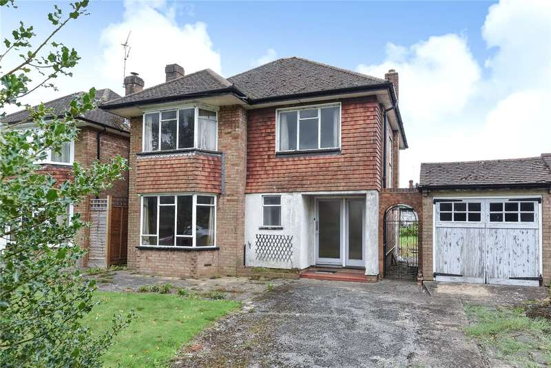 4 Bedrooms Detached House for sale in Uxbridge Road, Rickmansworth, Hertfordshire, WD3