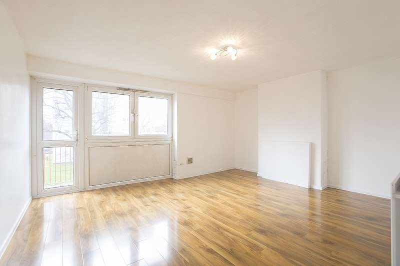 3 Bedrooms Flat for sale in Claremont Road, London, London, E7