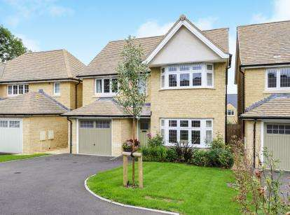 4 Bedrooms Detached House for sale in Gretton Road, Winchcombe, Cheltenham, Gloucestershire