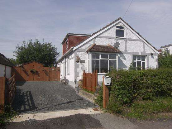 4 Bedrooms Detached House for sale in Nutbourne, Chichester, West Sussex
