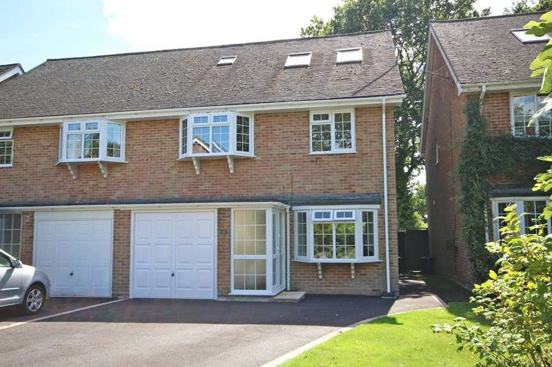 4 Bedrooms Semi Detached House for sale in White Barn Crescent, Hordle, Lymington